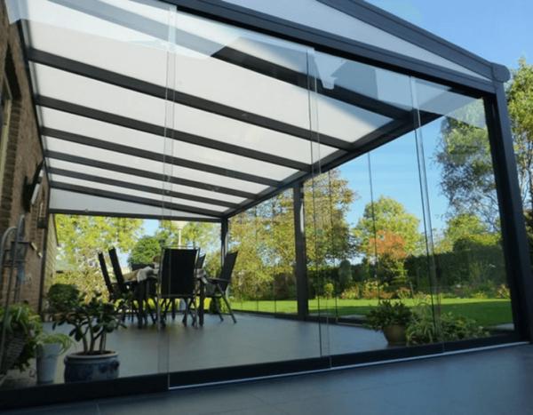 Glazen veranda